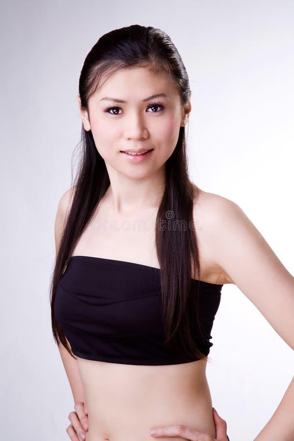 Mulher doce do asian do sorriso fotos de stock
