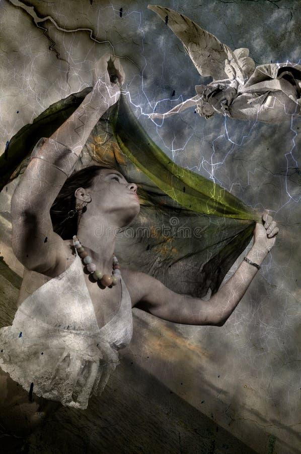 Mulher e anjo imagem de stock