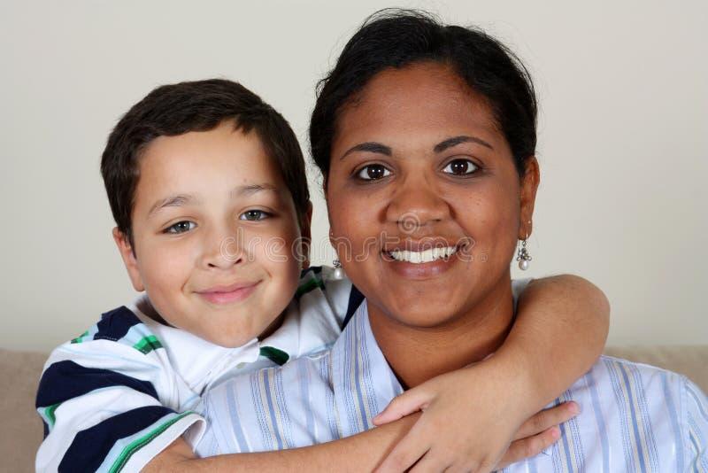 Mulher e menino foto de stock