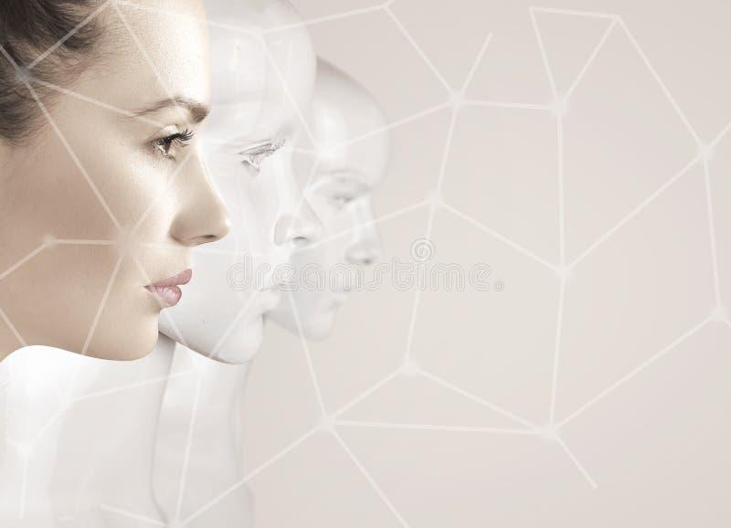Mulher e robôs - inteligência artificial fotografia de stock