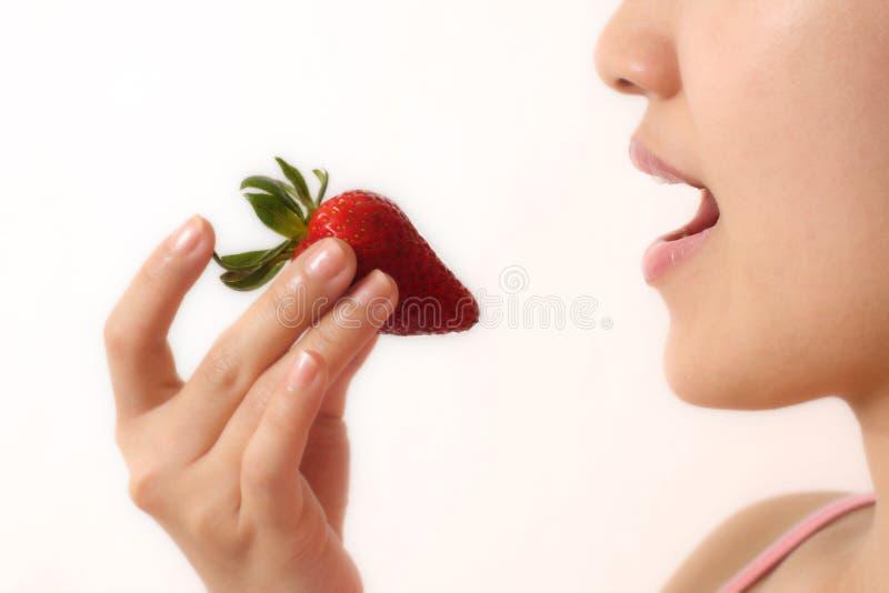 Mulher e strawberry fotos de stock