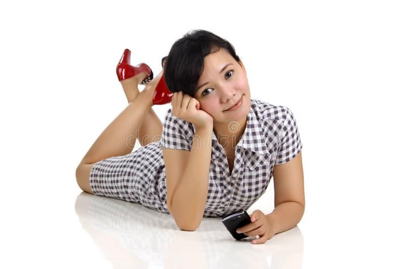 Download Mulher e telefone imagem de stock. Imagem de beleza, móvel - 12805629