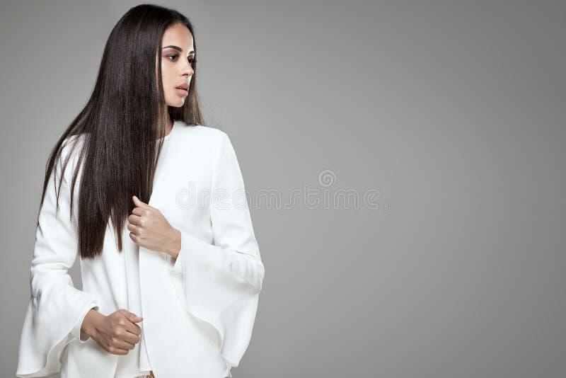 Mulher elegante afro-americano bonita fotos de stock royalty free