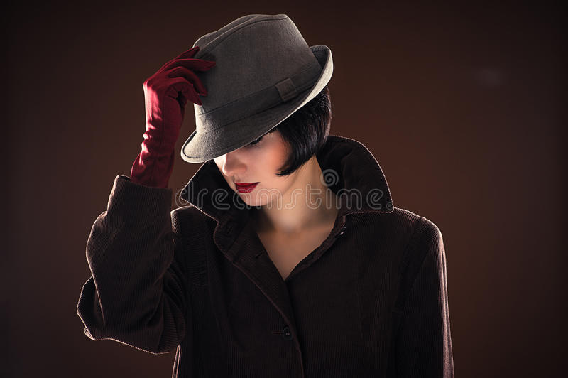 Mulher elegante bonita do retrato foto de stock royalty free
