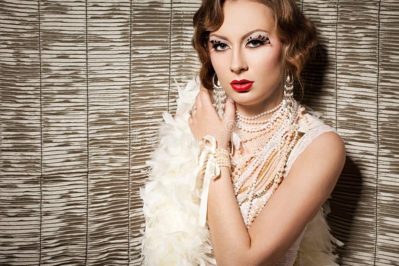 Mulher elegante com cara da arte foto de stock royalty free