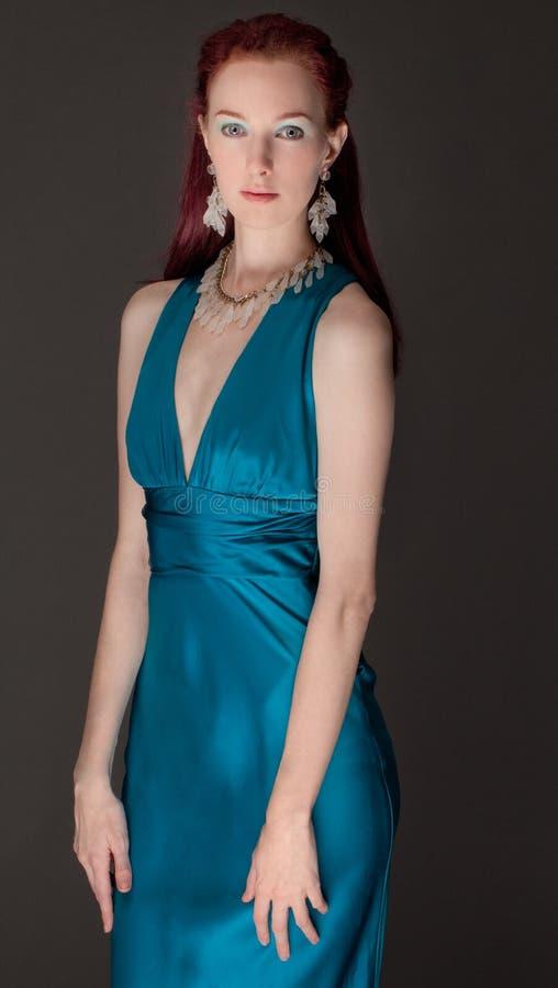 Mulher elegante no vestido imagens de stock royalty free