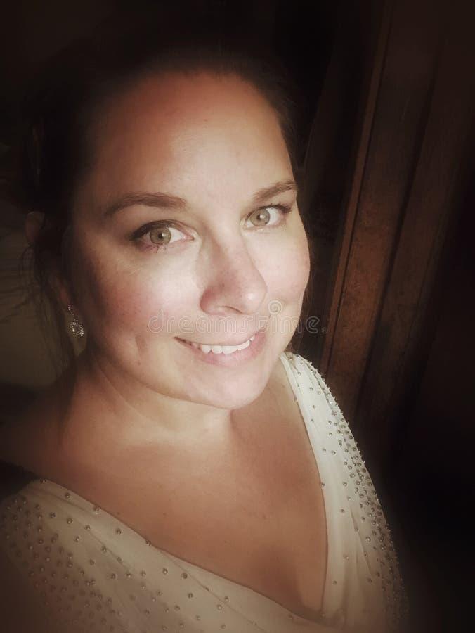 Mulher elegante no vestido de noite fotografia de stock