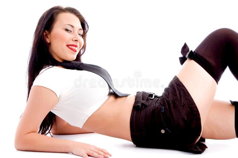 Mulher elegante 'sexy' na mini saia fotografia de stock royalty free