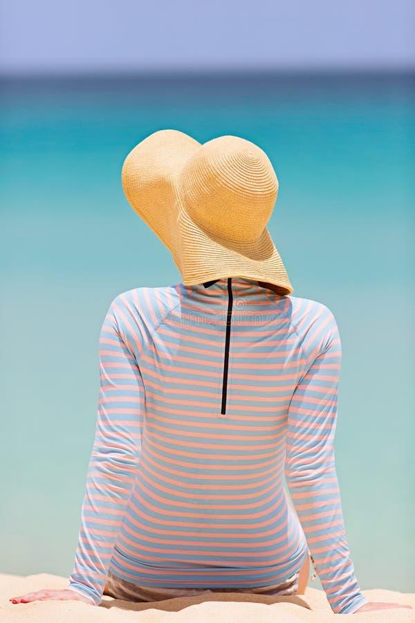 Mulher em férias fotografia de stock royalty free