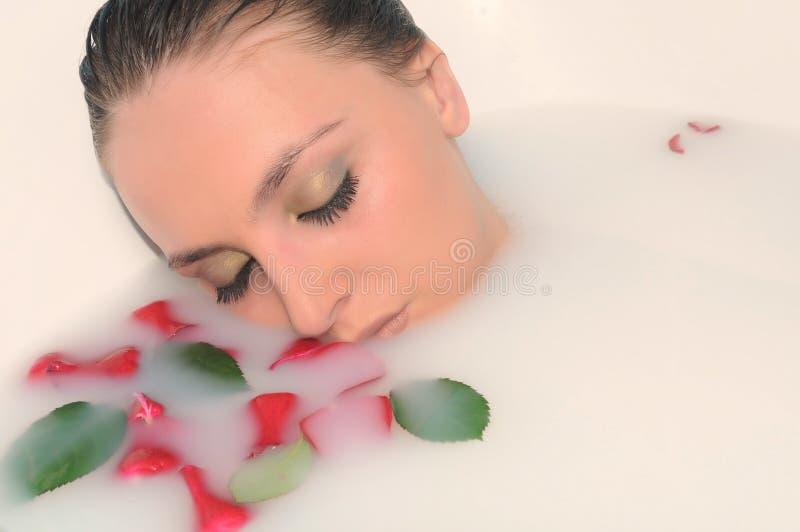 Download Mulher em um banheiro imagem de stock. Imagem de recreacional - 10059997