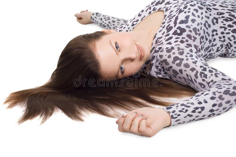 Mulher encantadora com cabelo marrom longo fotos de stock royalty free