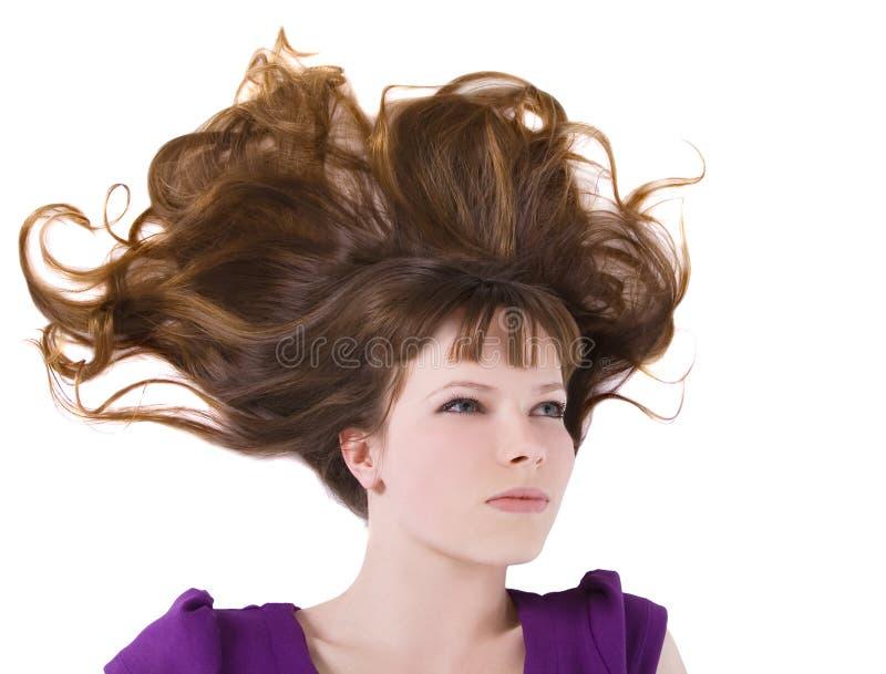 Mulher encantadora com cabelo vermelho longo imagem de stock royalty free