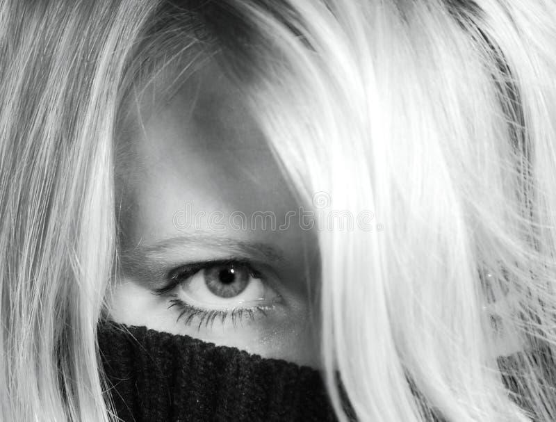 Mulher escondida fotografia de stock royalty free
