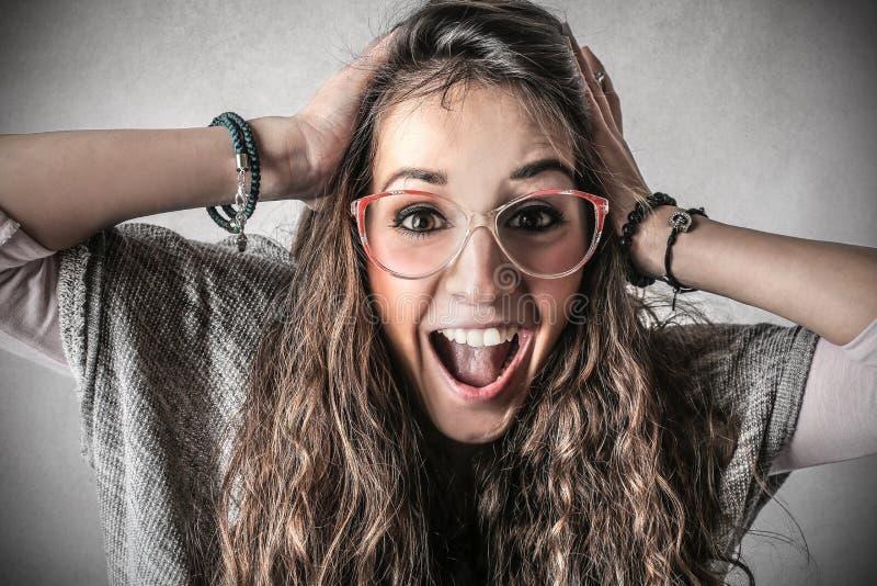 Mulher exultando feliz imagens de stock royalty free