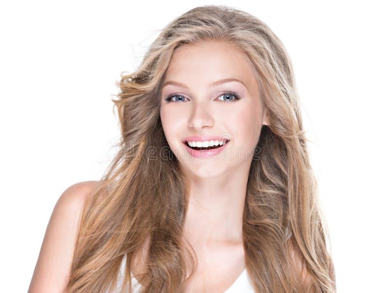 Mulher feliz bonita com cabelo encaracolado longo fotografia de stock royalty free