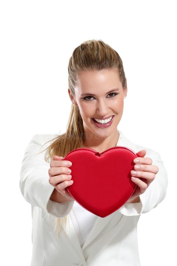 Download Mulher Feliz Bonita Com Um Coração Imagem de Stock - Imagem de preensão, expressão: 29842965