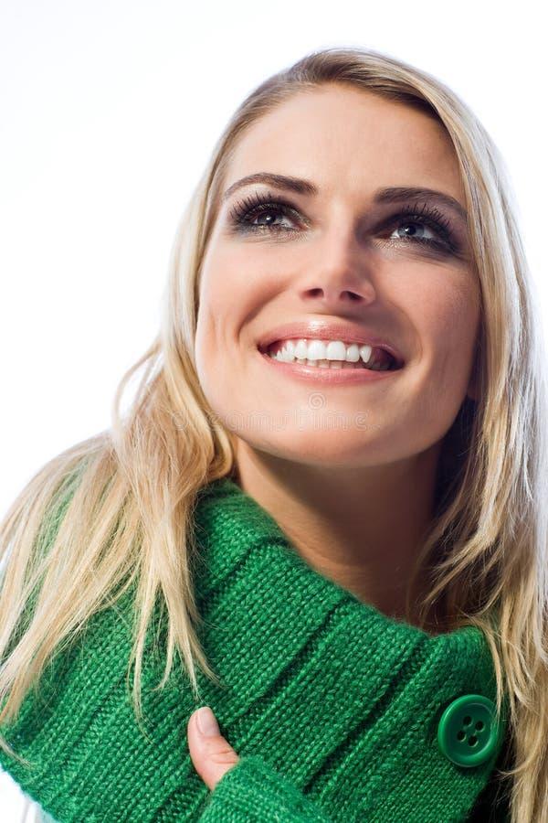 Mulher feliz com um sorriso de irradiação grande fotos de stock royalty free