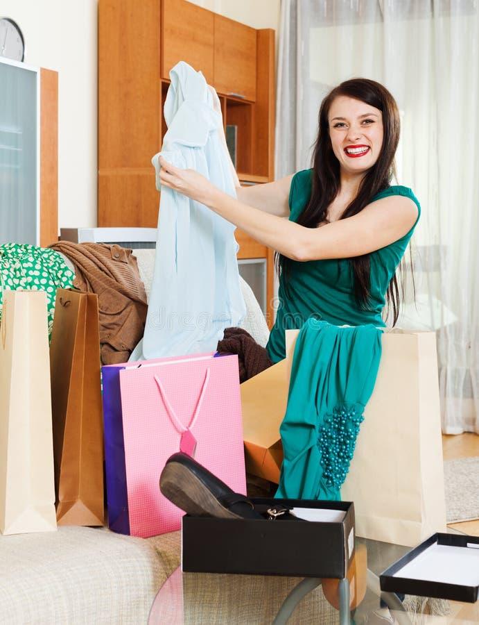 Mulher feliz com vestido novo foto de stock royalty free