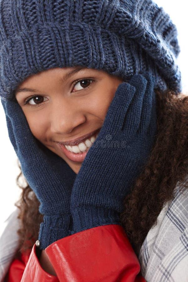 Mulher feliz do close up com mãos em torno da cara fotografia de stock royalty free