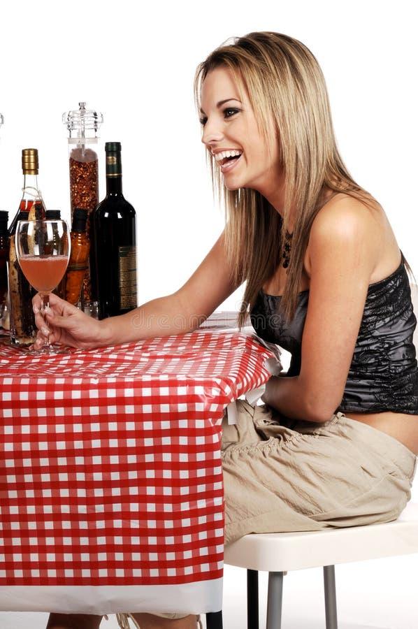 Mulher feliz dos restaurantes fotos de stock royalty free