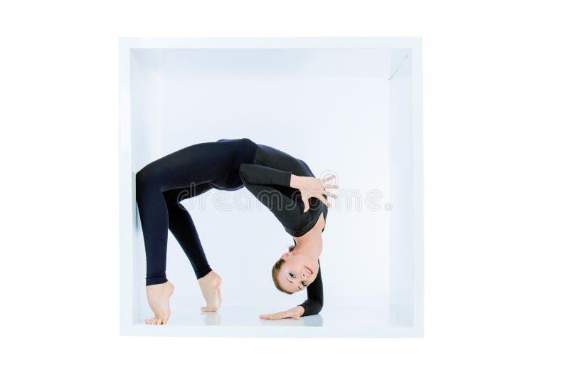 Mulher flexível fotos de stock royalty free