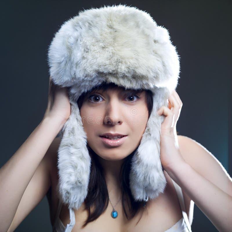 Mulher fria do inverno fotos de stock