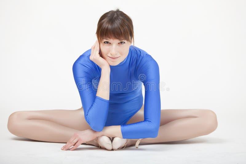 Mulher ginástica feliz fotografia de stock