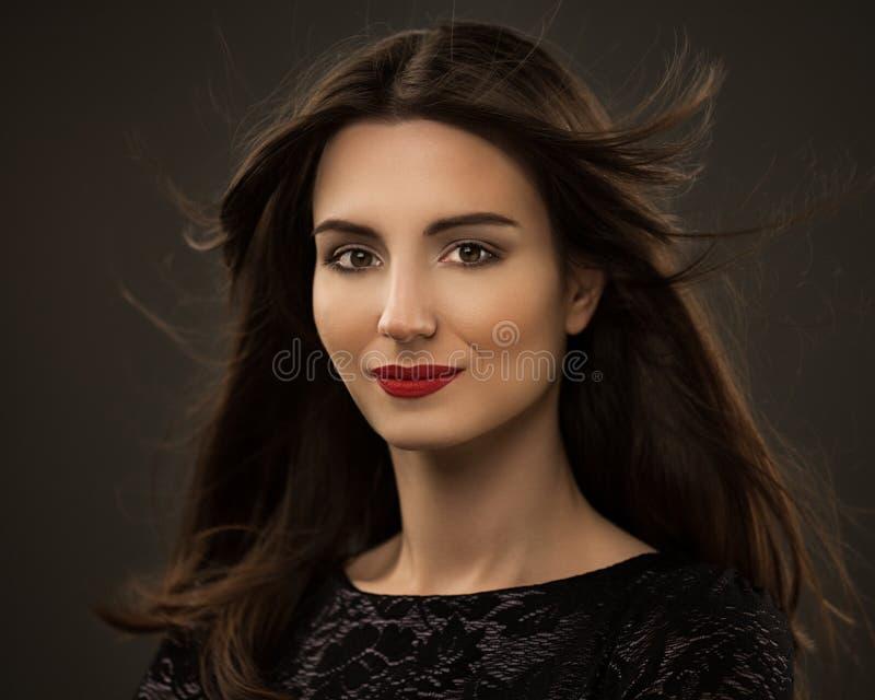 Mulher glamoroso bonita fotos de stock