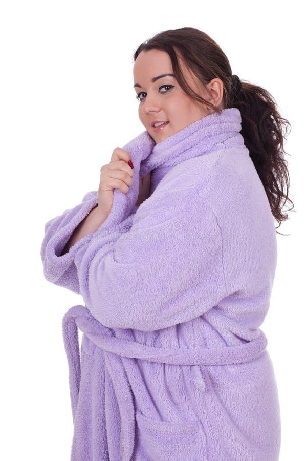 Mulher gorda no bathrobe foto de stock