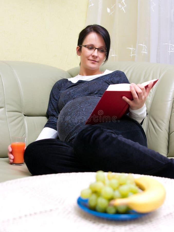 Mulher gravida   fotografia de stock royalty free