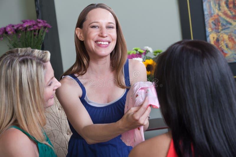 Mulher gravida feliz fotos de stock royalty free