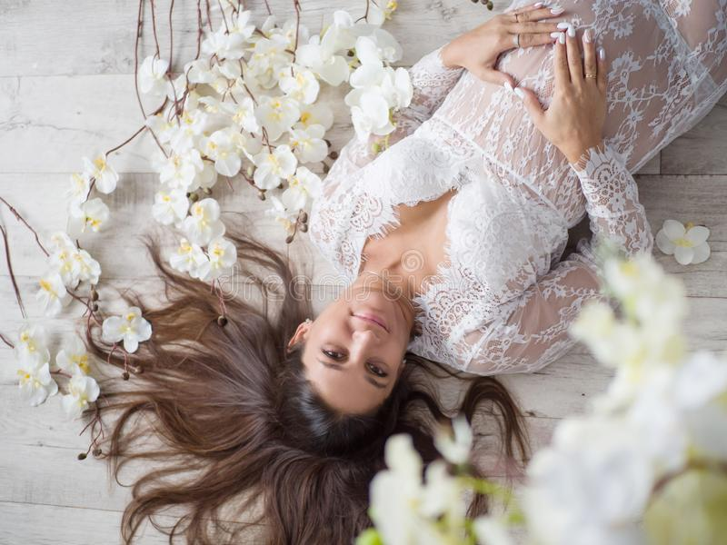 Mulher gravida Gravidez motherhood Forma para gr?vido fotos de stock royalty free