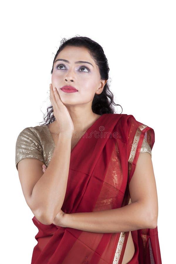 Mulher indiana bonita pensativa fotografia de stock royalty free