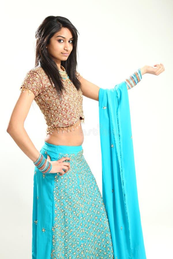 Mulher indiana bonita tradicional fotografia de stock