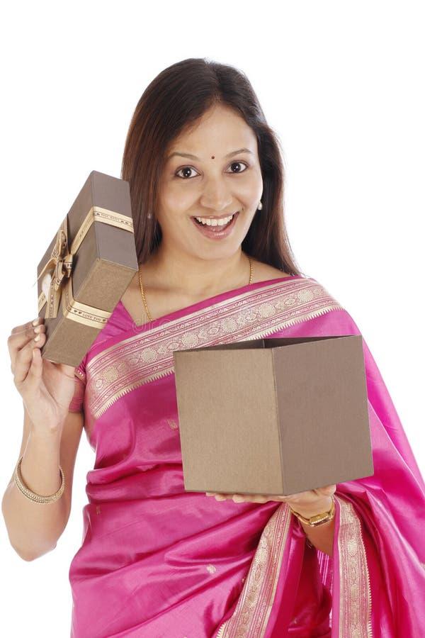 Mulher indiana entusiasmado imagem de stock royalty free