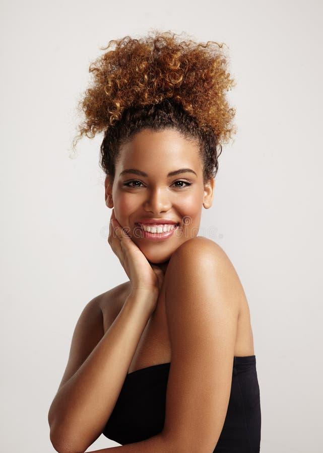 Mulher latin de sorriso feliz foto de stock