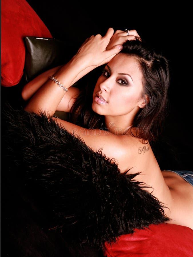 Mulher latino-americano de riso fotografia de stock royalty free