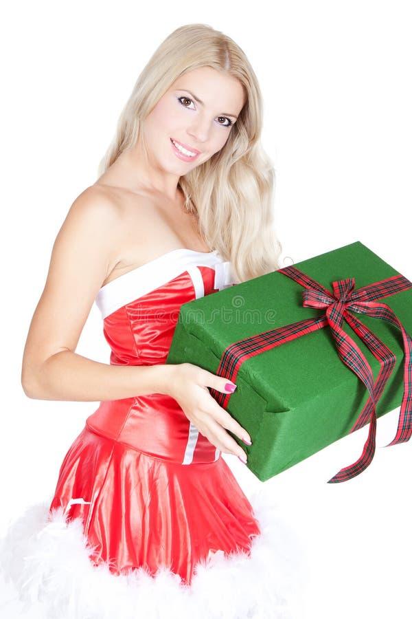 Mulher loura bonita nova com caixa de presente imagem de stock