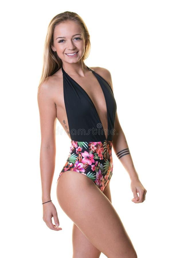 Mulher loura feliz no roupa de banho imagem de stock royalty free