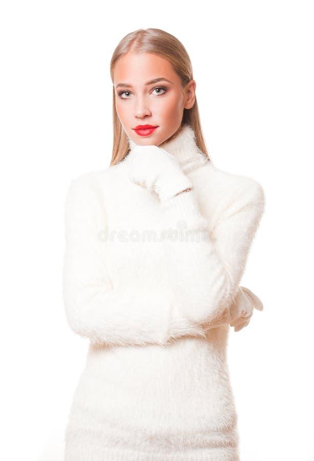 Mulher loura na forma do inverno imagem de stock