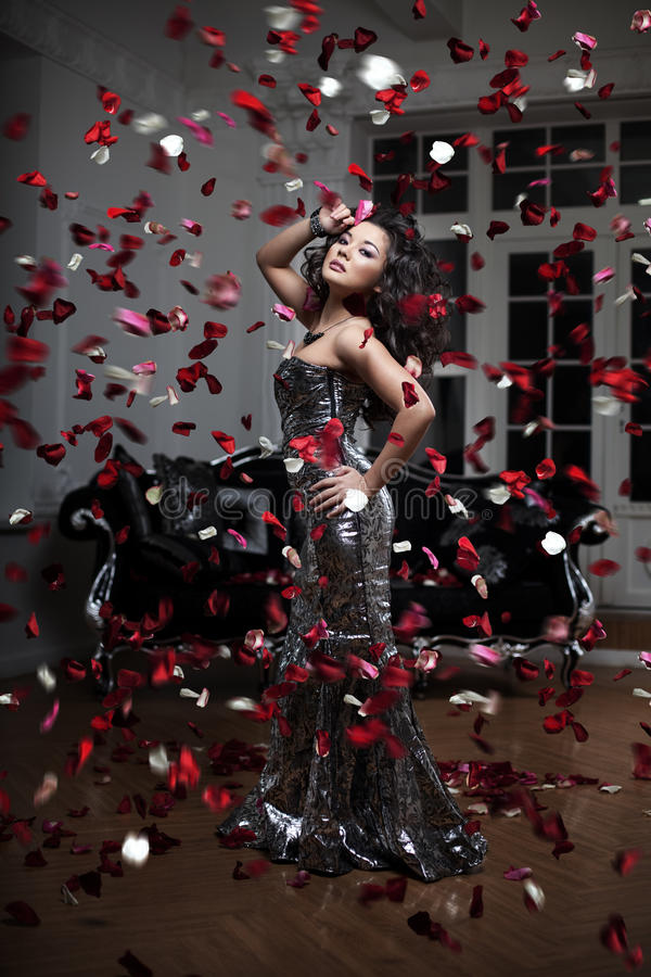 Mulher luxuosa da forma fotografia de stock royalty free