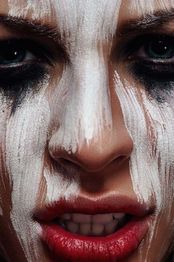 Mulher má com composição de Dia das Bruxas do aborígene fotos de stock