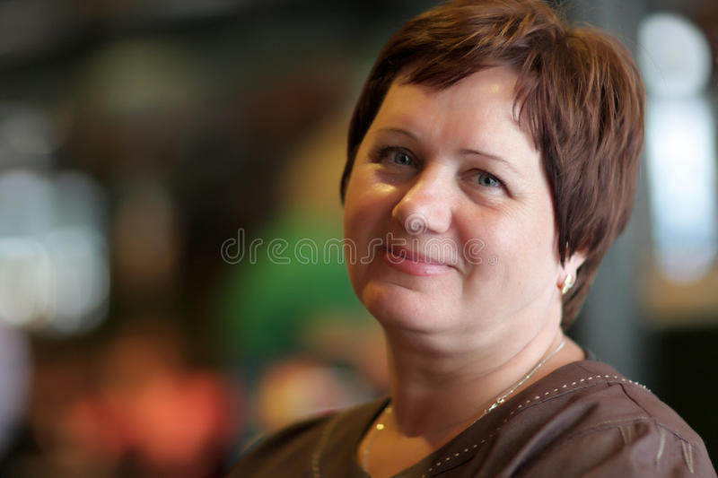 Mulher madura feliz imagens de stock royalty free