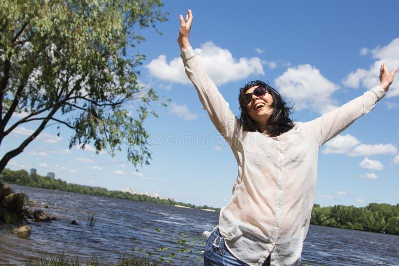 Mulher mais a figura feliz do modelo da menina XXL do tamanho sedutor foto de stock royalty free