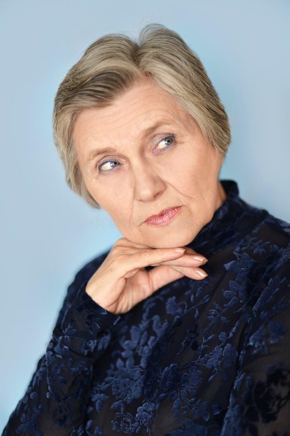 Mulher mais idosa alegre fotografia de stock royalty free