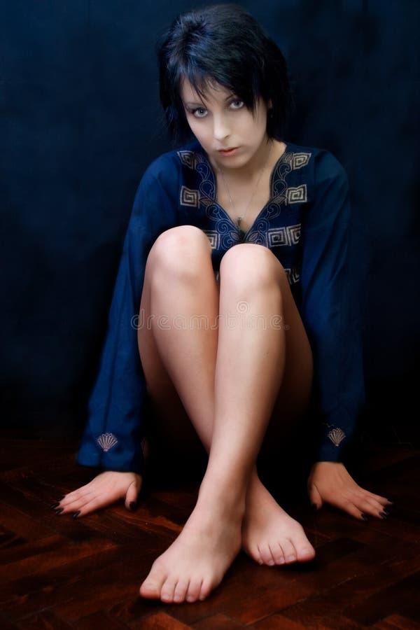Mulher misteriosa do goth imagem de stock