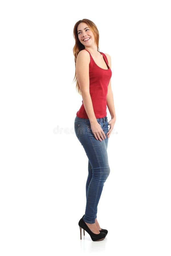 Mulher modelo bonita que levanta a posição engraçada fotografia de stock