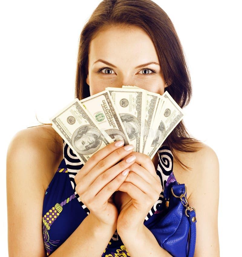 Mulher moderna real moreno consideravelmente nova com o dinheiro do dinheiro isolado no sorriso feliz do fundo branco, pessoa do  fotografia de stock royalty free