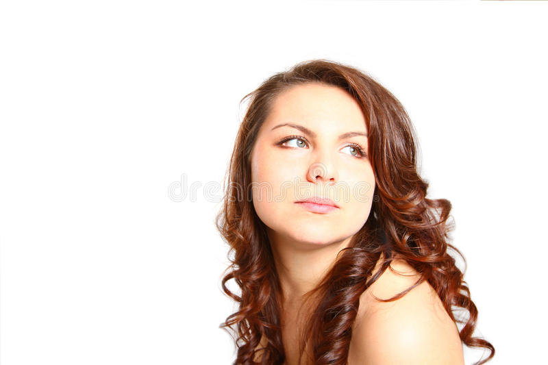 Mulher moreno bonita com o ombro despido que olha ao lado fotos de stock royalty free