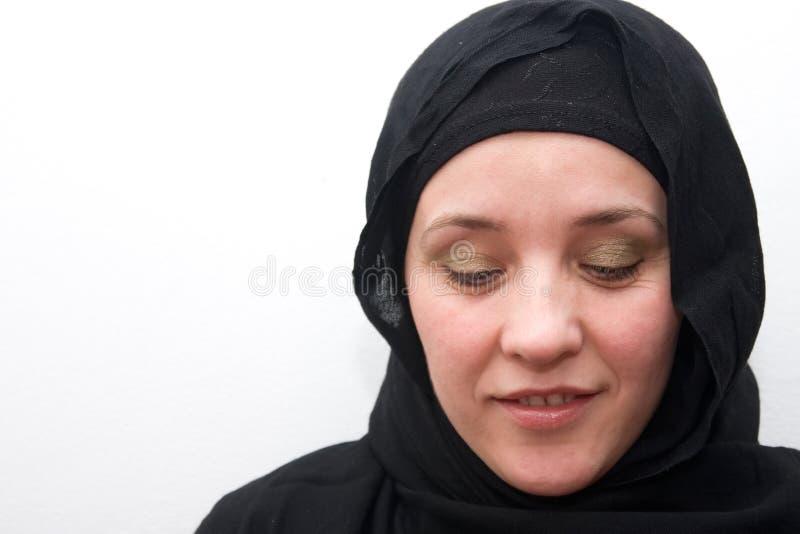 Mulher muçulmana tímida fotografia de stock
